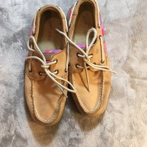 Sperry Shoes - Sperry Girls Intrepid With Colored Side Detail